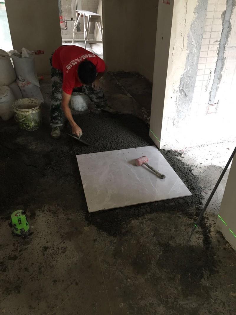 客厅地砖铺贴