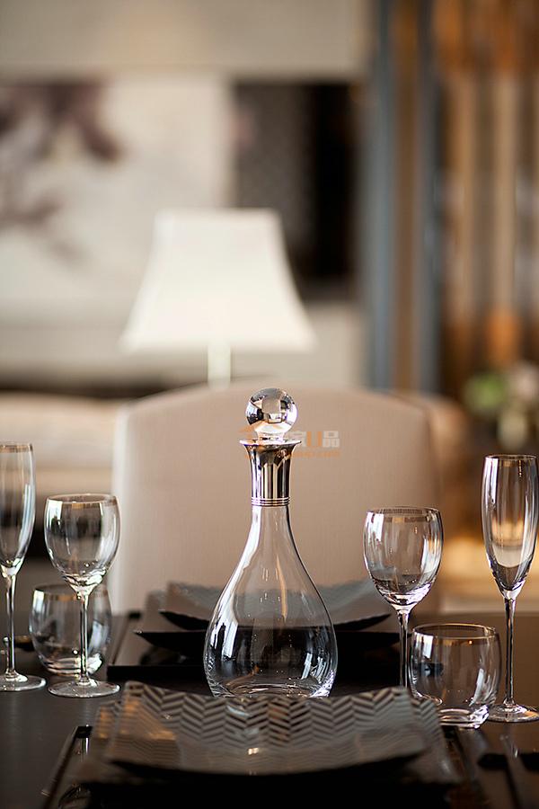 亨特翠山国际现代简约风时尚与潮流并存现代三居室,,,120.0㎡