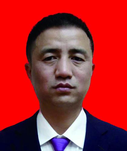 钟立明,金牌项目经理,8年