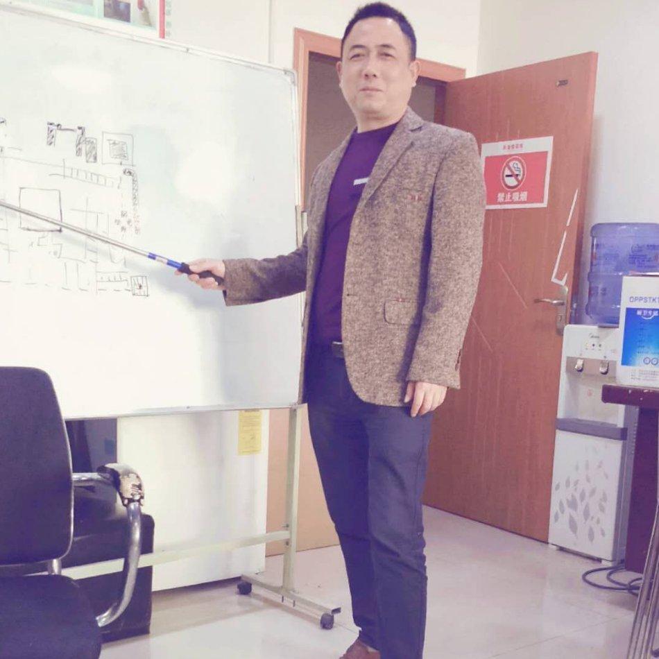 李维平,优秀项目经理,6年