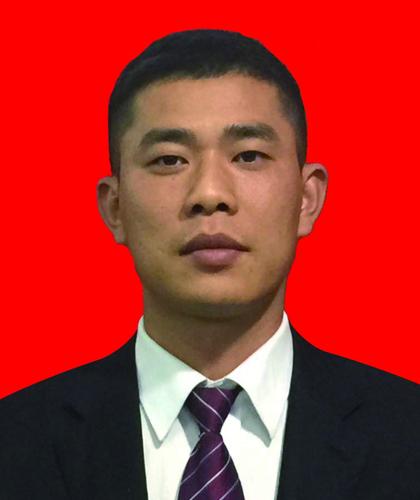 陈黑子,金牌项目经理,7年