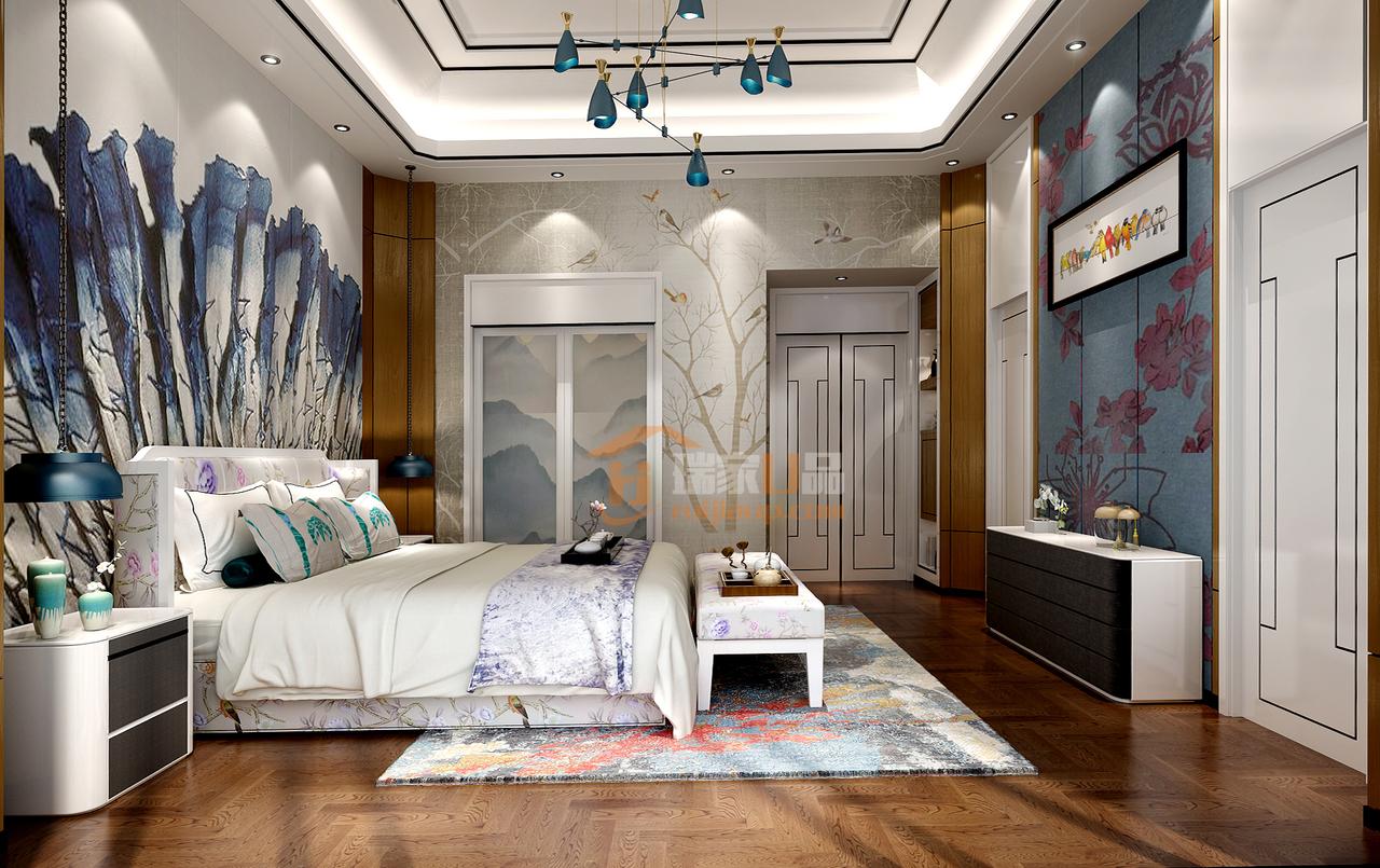 整体以素色为主,温润柔和,中式花鸟凹凸纹理的壁纸,湖蓝色的灯具床品,打造一个温馨静雅的舒适空间。